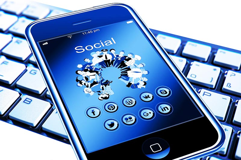 creazione e gestione professionale pagine social